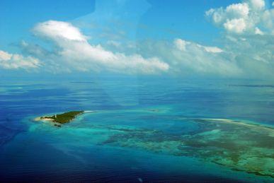 1280px-Approaching_Zanzibar